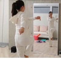 ダンスの練習には「割れない鏡」